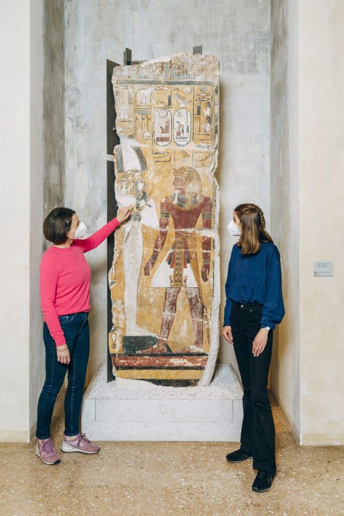 Archäologie lernen: Neues Museum Grabpfeiler