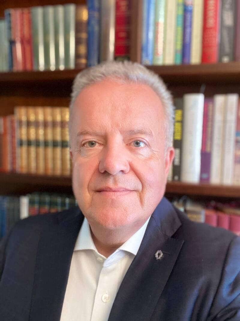 Ministerialrat Rolf Knieling zum Abitur im Ausland